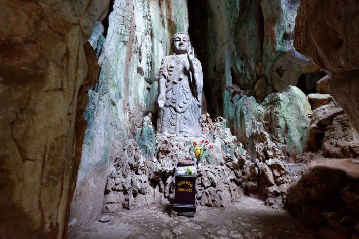 Huyen Khong Cave1